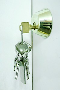 Should you allow your lodger to fit a key to his door?